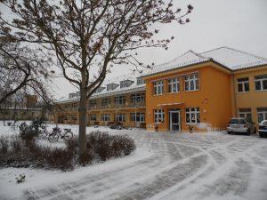 1. Schulgebäude