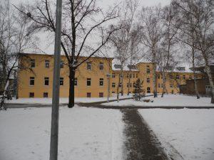 2. Schulgebäude Rückfront